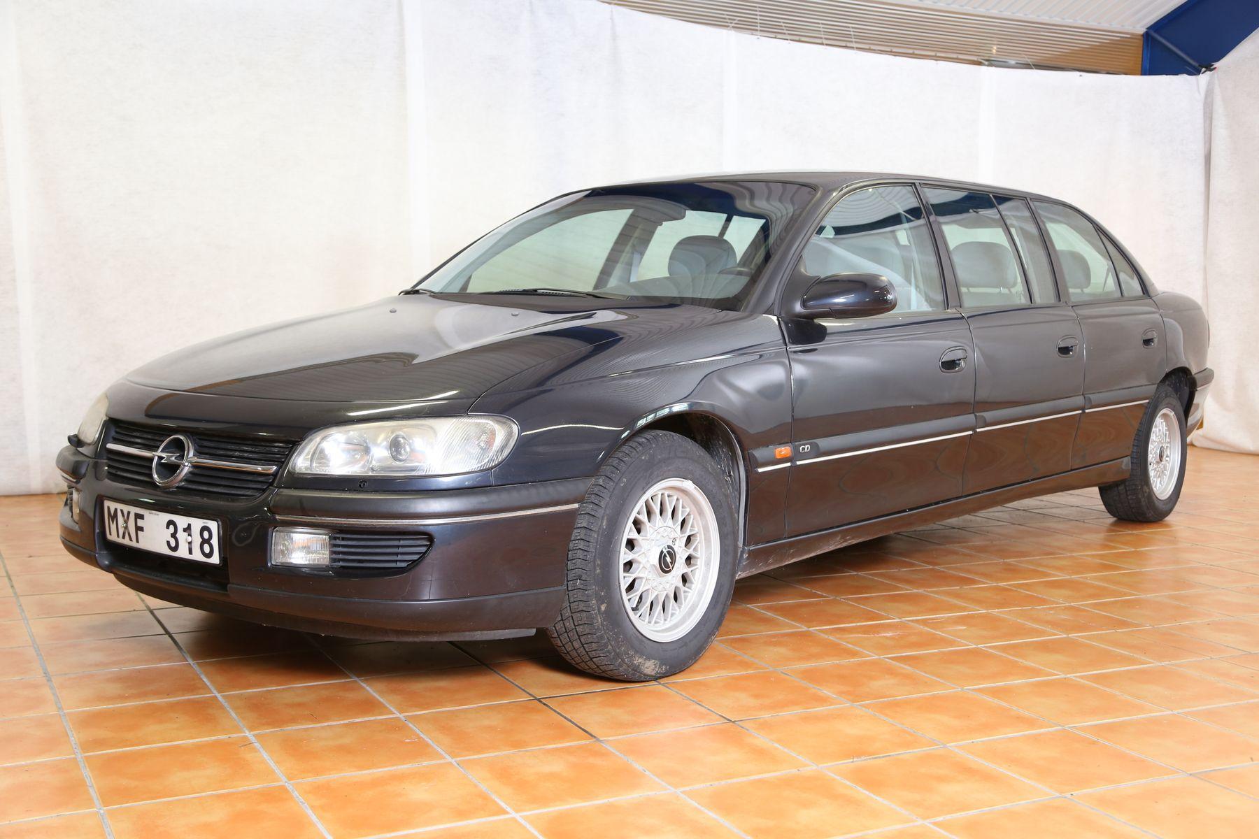 Opel Omega limousine CD 6-cyl — 1998 på Bilweb Auctions